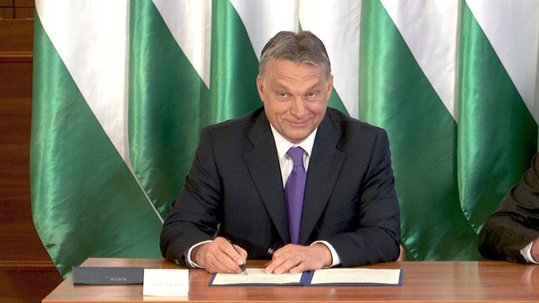 Orbán Viktort szembesítettük a korábbi Orbán Viktorral