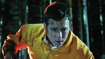 Ryan Reynolds baltás gyilkosnak is unalmas