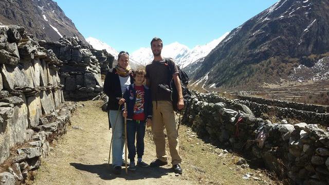 Levi, Liza és Gergő a nepáli Himaláján