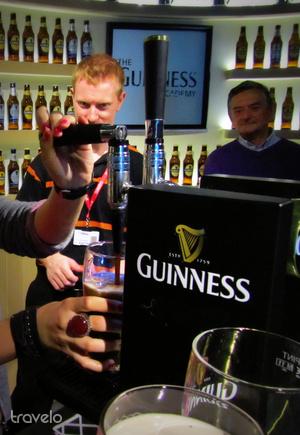 A látogatóközpontban megtanulhatjuk a Guinness szertartásos csapolásának minden csínját-bínját