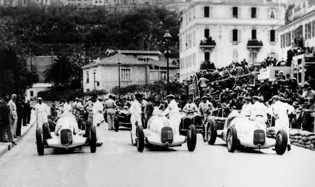 Start of the Monaco Grand Prix, April 22  1935  W 25 num 4 F