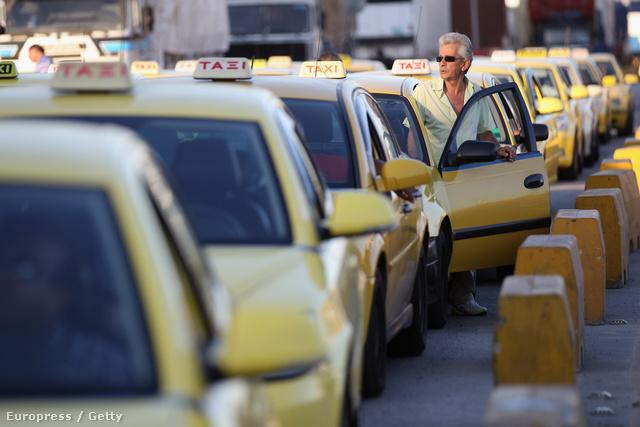 Utazás előtt tájékozódjunk a megbízható taxi társaságokról.