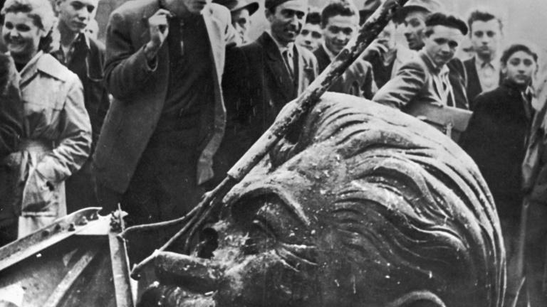 Egy pszichopata változtatta kollektív elmegyógyintézetté a Szovjetuniót