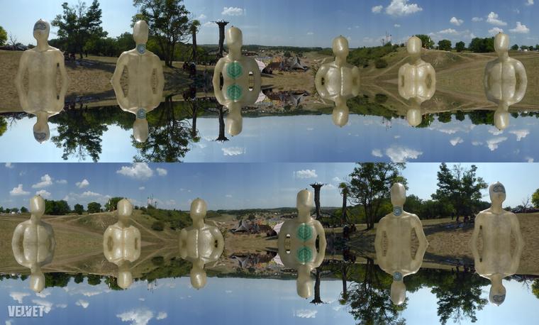 Vagy egy fotót tükrözni, összerakni a tükörképével, aztán a végeredményt a másik irányban tükrözni és úgy még egyszer megduplázni az egészet