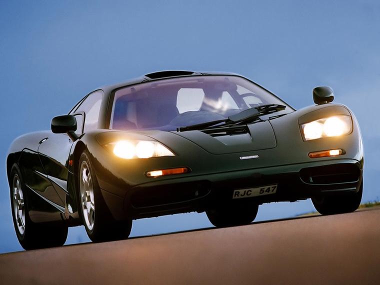 McLaren F1: A Koenigsegg CCR megjelenéséig sok éven át a McLaren F1 volt a világ leggyorsabb autója