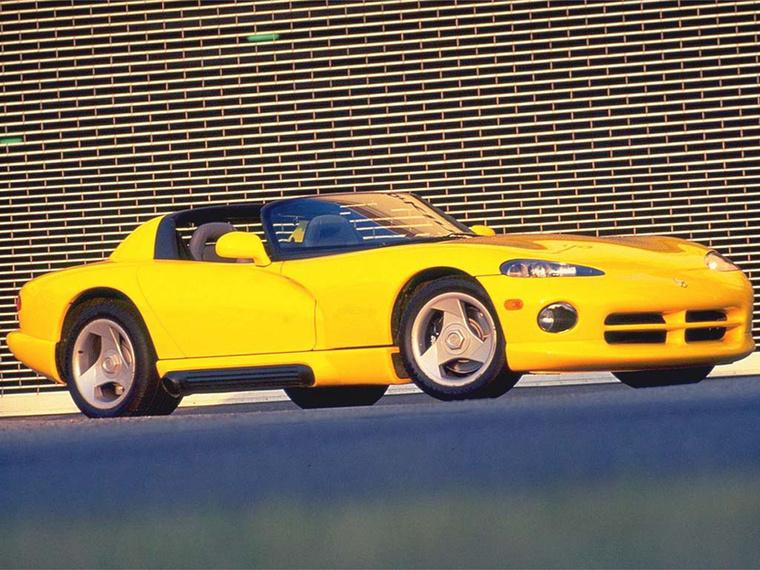 Dodge Viper: A Chrysler eredetileg azért fogott a Viper fejlesztésébe, hogy javítson a márka névhez fűződő technológiai elmaradottság-képen