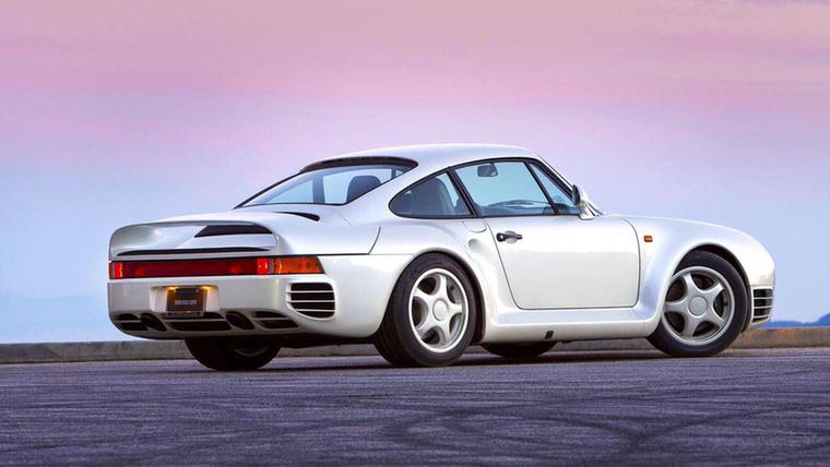Porsche 959: Ez volt az első közúti szabályoknak is megfelelő autó, ami képes volt 300 kilométer/óra felett menni