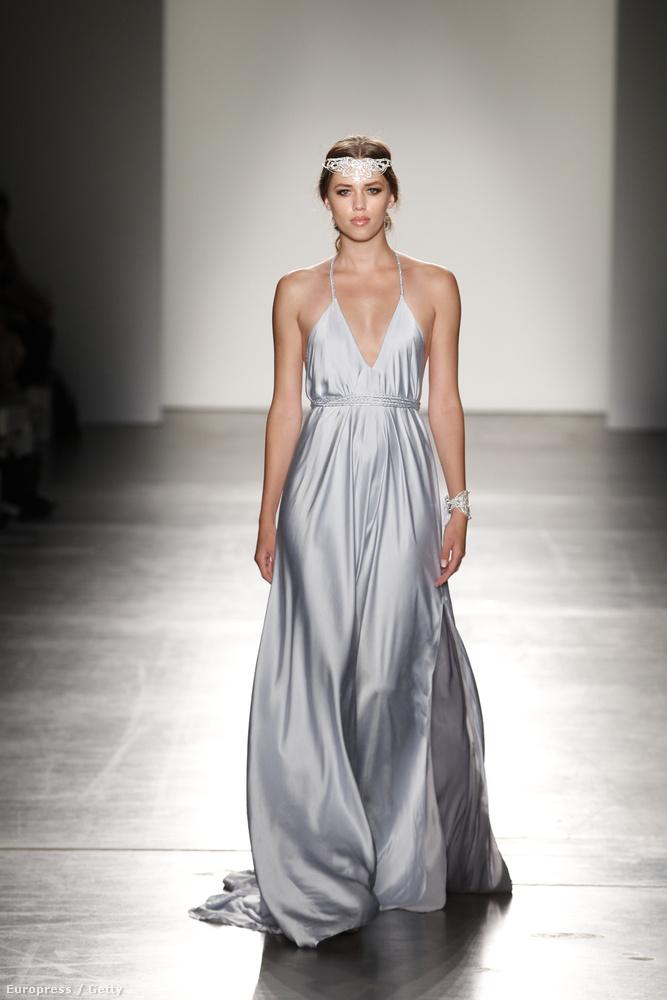 """A 2016-os tavasz-nyári divatot bemutató New York-i divathéten volt egy bemutató """"Australian Evening & Bridal Wear"""" címmel"""