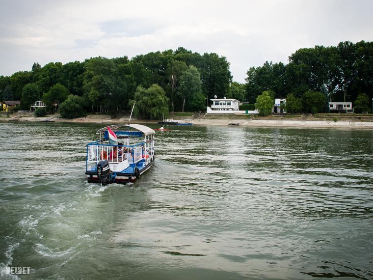A Megyeri híd közelében az Ebihal büfétől indulva lehet megközelíteni a Luppa-szigetet, ahova kajakkal vagy csónakkal lehet csak menni