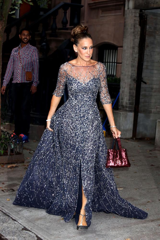 A színésznő a New York City Balett gálájára örömére vett fel egy igen impozáns ruhát, ami tőle egyáltalán nem szokatlan.