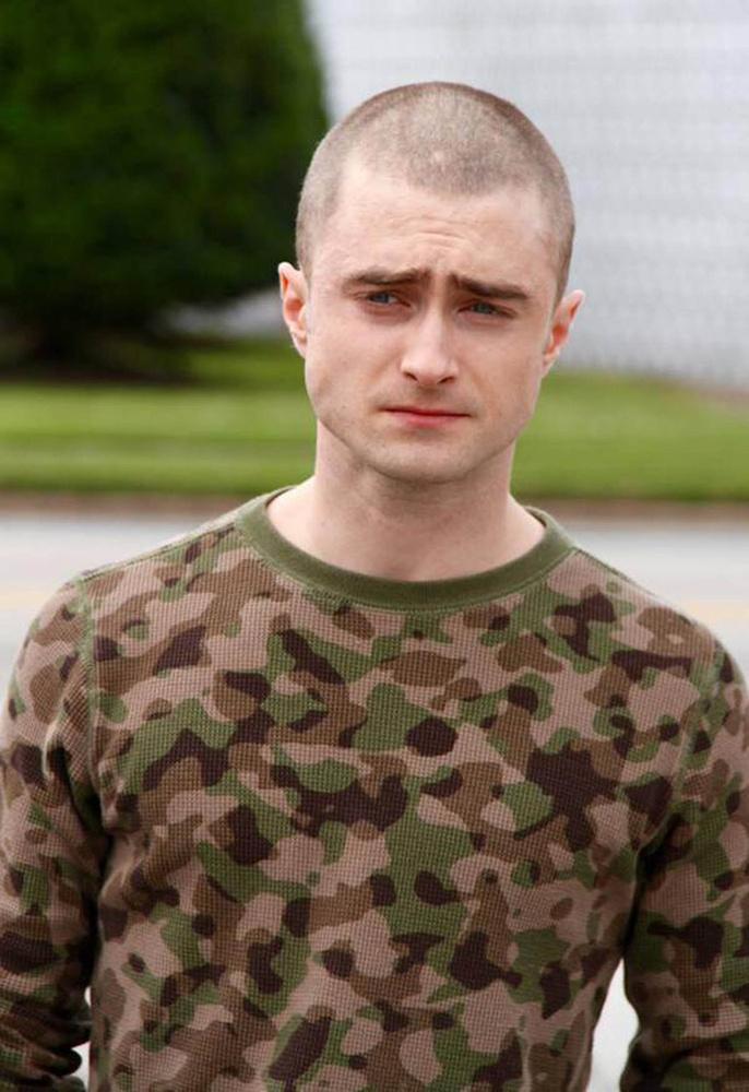 Ezen a héten is intenzív vizuális élményekben lehetett részünk, kezdjük mindjárt azzal, hogy Harry Potter, azaz Daniel Radcliffe kopasz lett