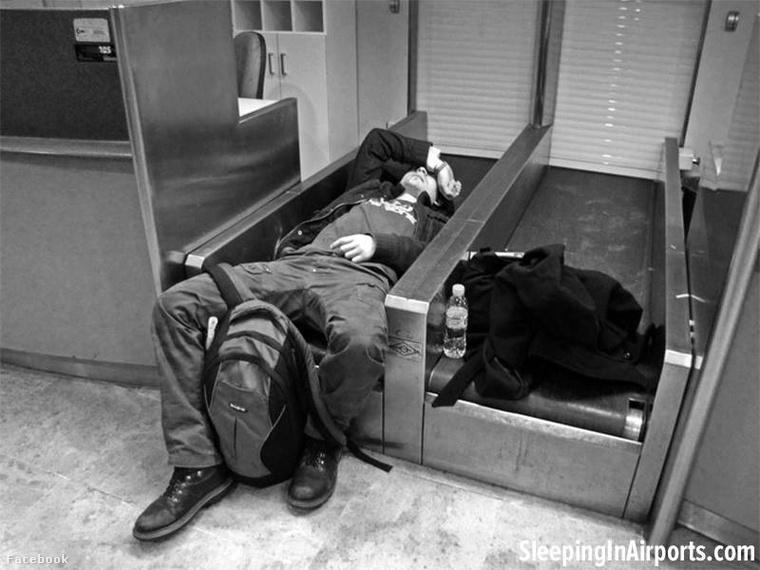 Jól tud jönni, ha bezárják a poggyászfeladót.