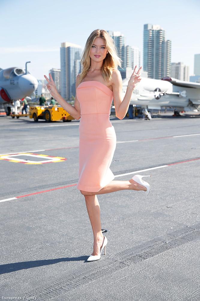Nyilván nem mindenkinek állna ilyen jól ez a szűk ruha, amit Angel Martha Hunt viselt San Diegóban, de ha már világosabb színt viselne,