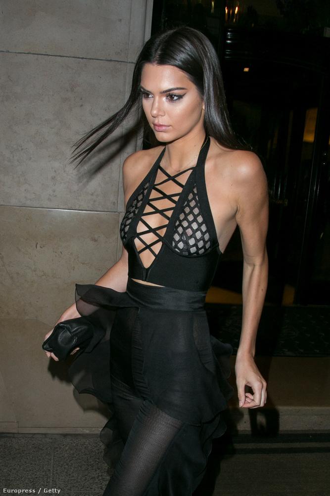 És akkor lássuk, hogy viseli a kis feketét Kendall Jenner
