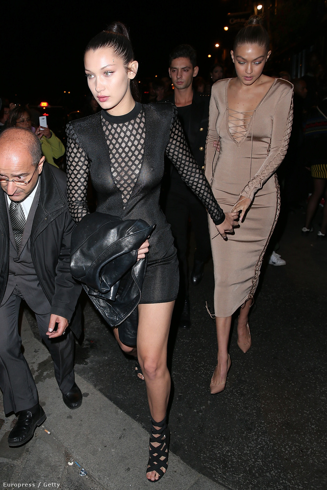 A fekete ruhás lány pedig a húga, Bella Hadid