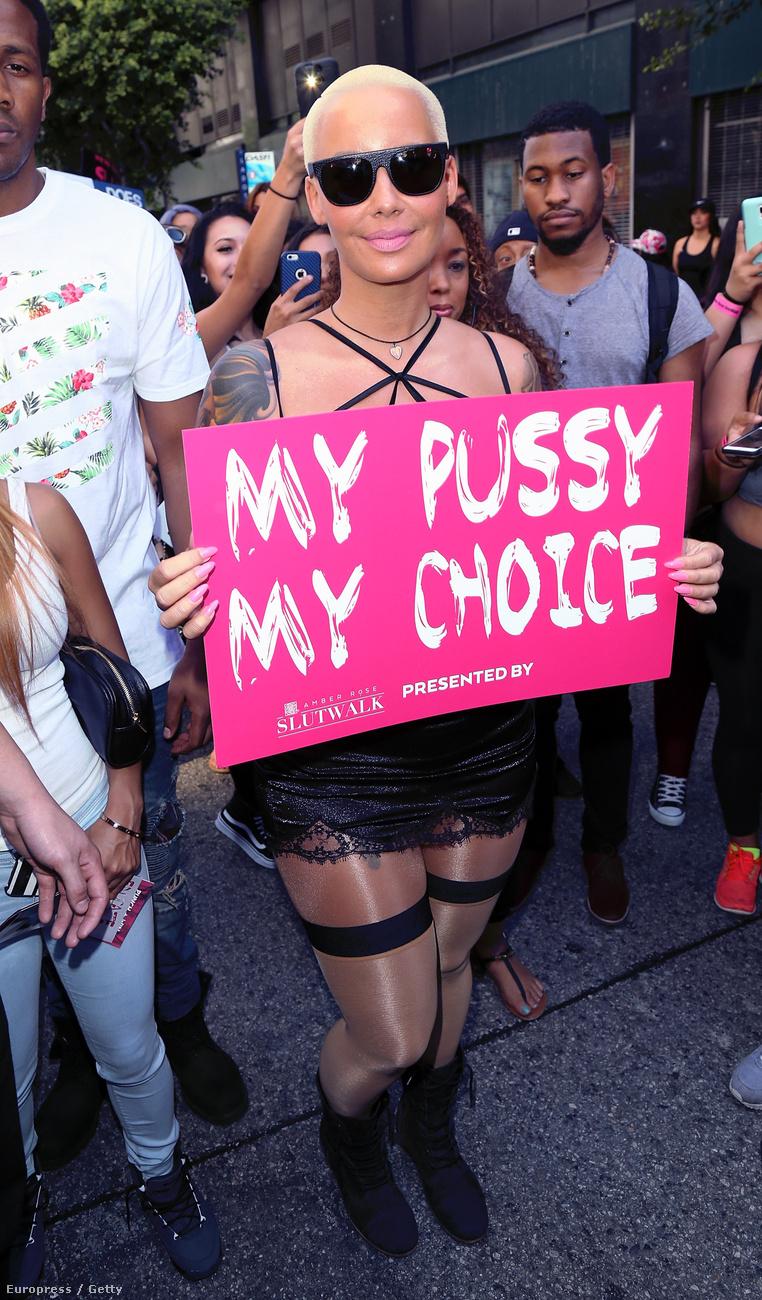 Amber Rose a hétvégén Los Angelesben ribancsétát tartott, hogy kiálljon a nők jogaiért.