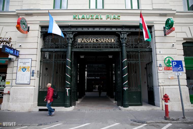 A 11 hónapig tartó (a budapesti szokásokhoz képest egész gyorsnak mondható) felújítás után újra megnézhettük belülről a Klauzál téri vásárcsarnokot