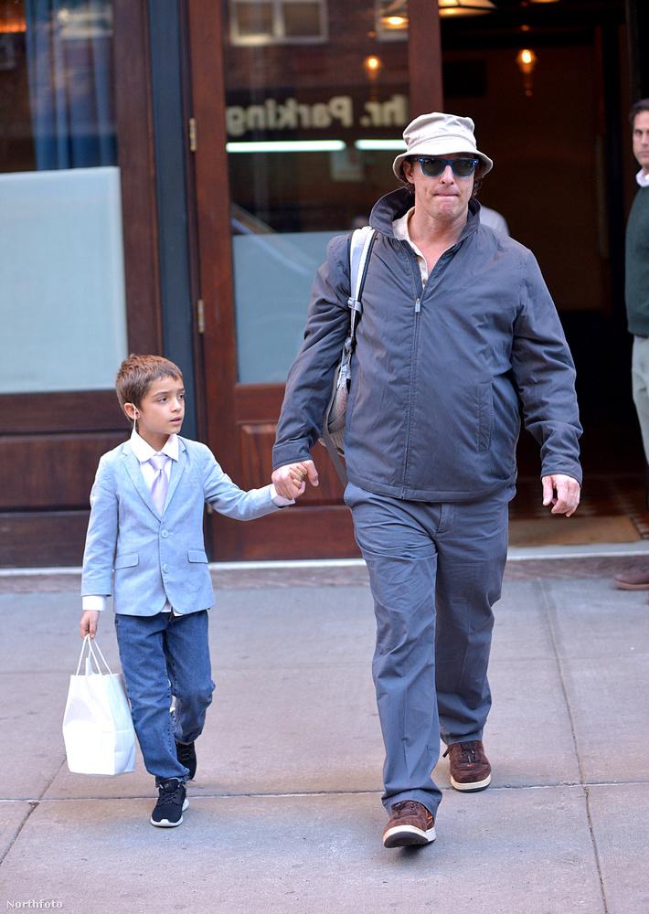 McConaughey éppen a Goldot forgatja, ezért a súlyfelesleg