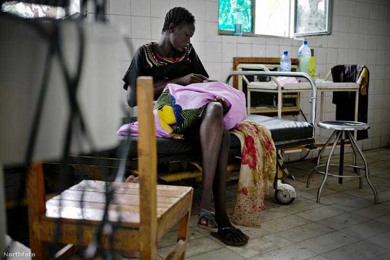 És akkor most látogassunk el néhány fotó erejéig a Gambela nevű kisváros kórházának szülészetére