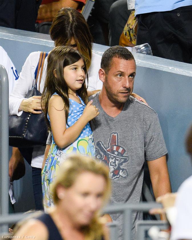Adam Sandler a lányával érkezett a meccsre.