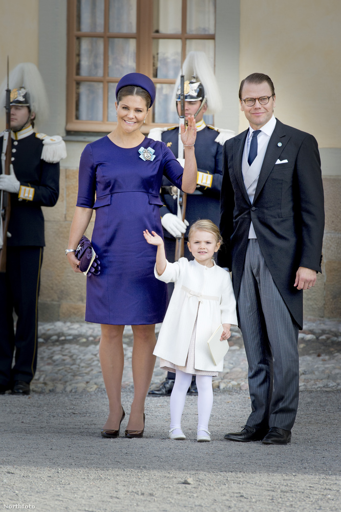 Az elsőszámú trónörökös, Magdolna nővére, Viktória svéd királyi hercegnő is ott volt, vele együtt a férje, Dániel herceg, valamint a lányuk, Estelle hercegnő.