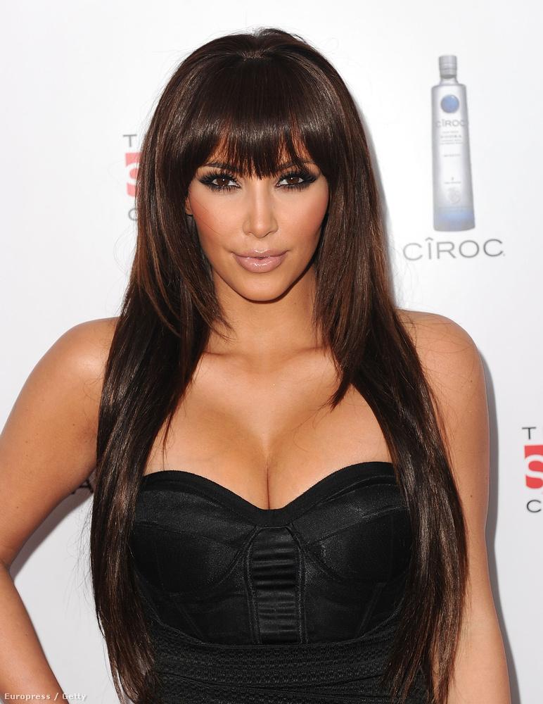 Kim Kardashian neve is kérdéses, de 2010-ben állítólag összejöttek