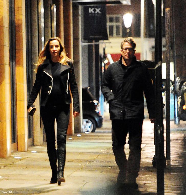 Sőt, mintha két idegen menne egymás mellett az utcán