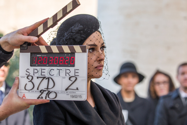 Monica Bellucci az egyetlen olyan európai színésznő, aki a Sophia Loren és Catherine Deneuve után hagyott űrt kitöltötte, akit egyszerre imádnak a művészfilmrendezők és Hollywood is