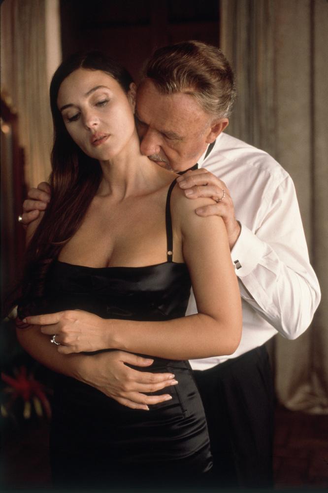 Gene Hackman a Meggyanúsítva című filmben így szerette Monica Belluccit.