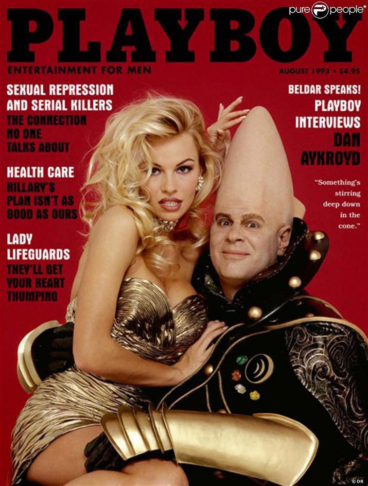 Majd egy évvel később 1993 augusztusában szintén ő, Dan Aykroyd társaságában, aki a lap címlapján szereplő kevés férfi egyike.