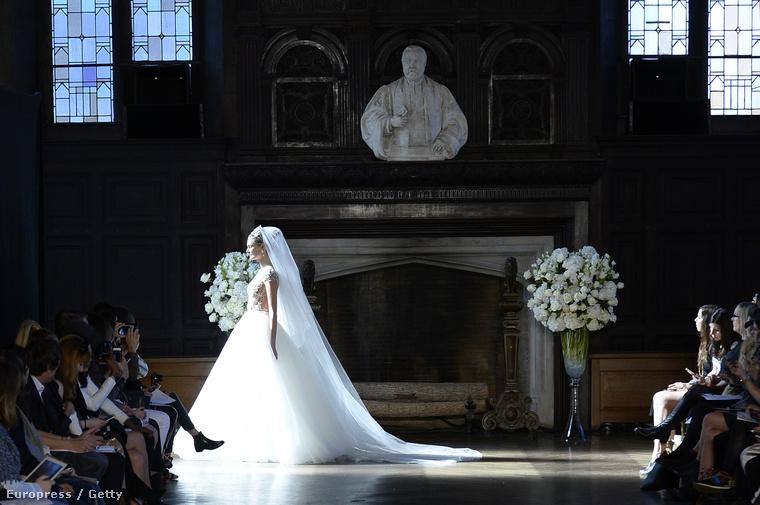 Esküvői divathét volt a napokban New Yorkban