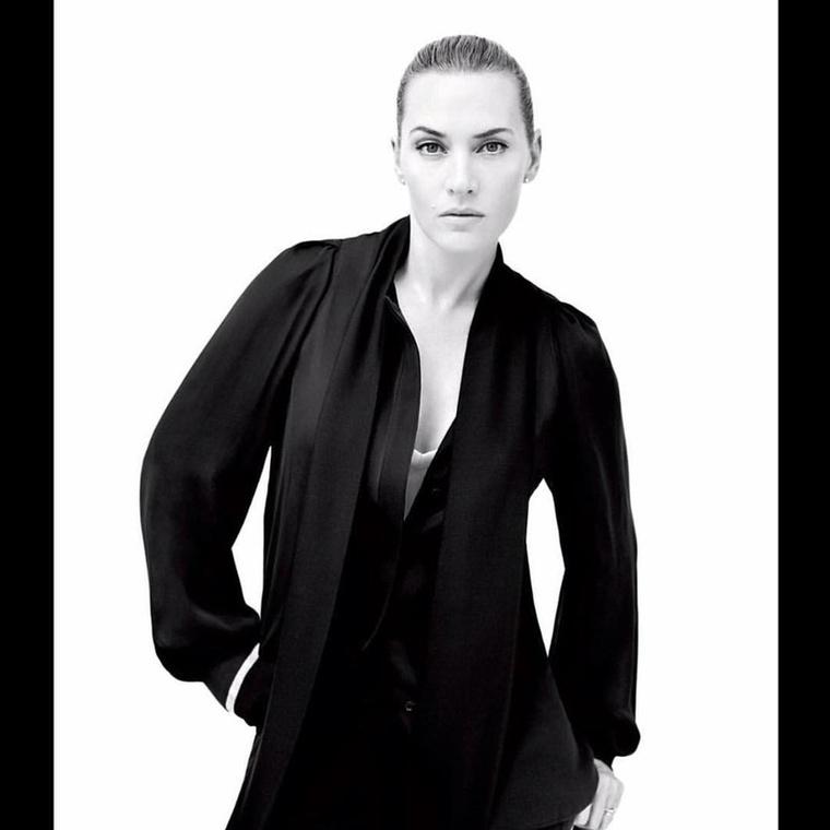 És akármelyik magazin számára is fotózzák, úgy néz ki, mint a világ leggyönyörűbb nője