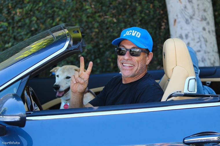 És így néz ki most Jean-Claude Van Damme, a szeretett kutyájával, ötvenöt évesen, és még mindig aktívan
