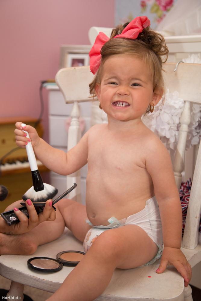 A szépségversenyek előtt Jas Sullivan tonnányi sminket visz fel a gyerekre.
