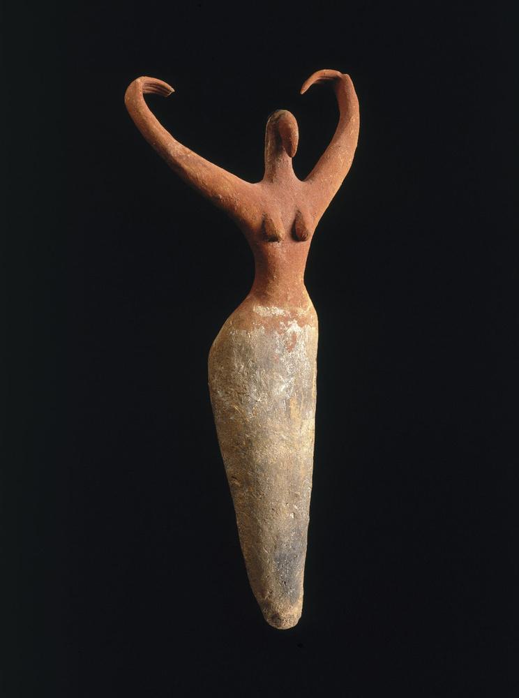 Egy női aktszobor látható a képen az ókori egyiptomiaktól