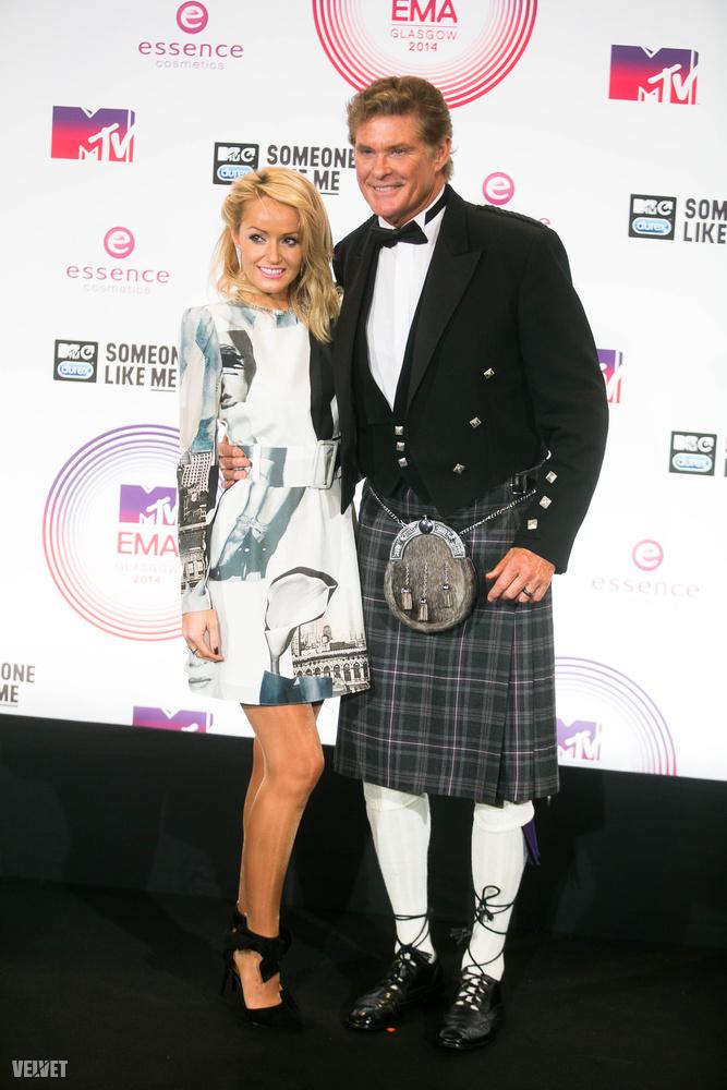 Az idei fellépő- és vendéglista alapján sajnos nem számíthatunk akkora királyokra, mint David Hasselhoff, aki skót szoknyában ment a glasgow-i díjátadóra.