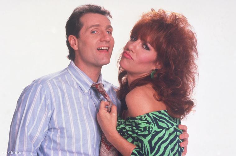 Ha pedig megkopott volna az emlék, így nézett ki Peggy Bundyként a 90-es években.