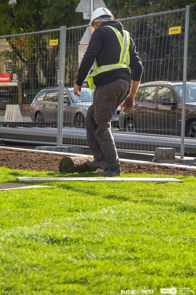 De nem a Széll Kálmán tér! Itt a BKK Facebookjára feltöltött képek alapján kialakítanak némi zöldfelületet.