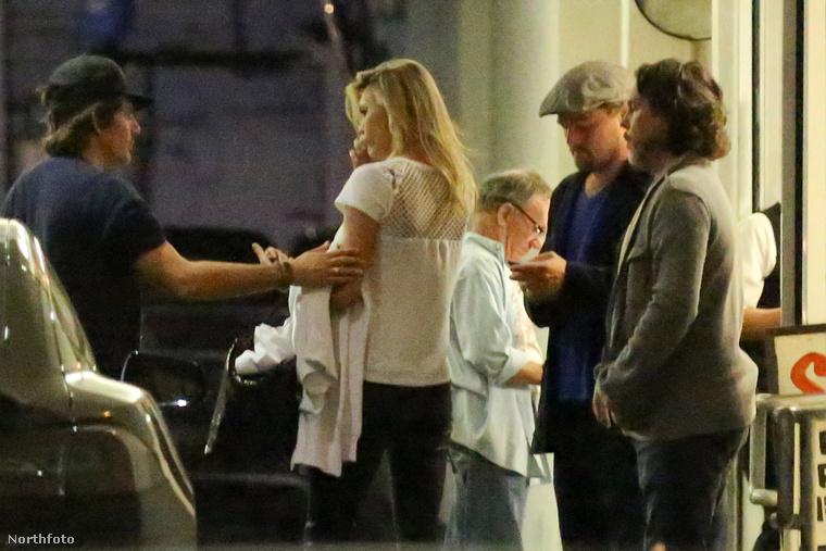 Nem akarunk mi szívózni persze, mi lennénk az utolsók, akik bármilyen párt arra bátorítanának, hogy nyilvánosan nyalják-falják egymást, de azért tényleg nem ezek a képek támasztják alá azokat a pletykákat, melyek szerint Leonardo DiCaprio és Kelly Rohrbach eljegyezték egymást.