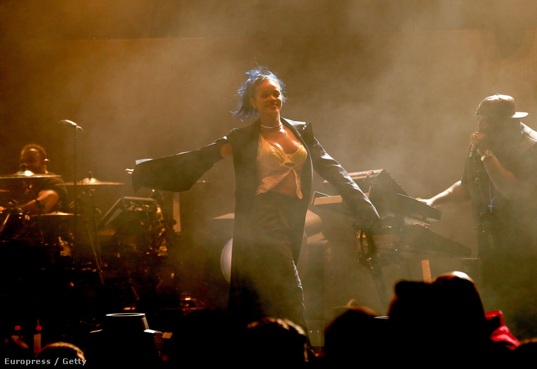 Rihanna lett a legjobb női előadó.A kép nem az EMA-n készült.