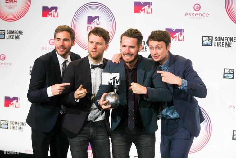 A One Direction lett a legjobb popzenekar.A kép nem az idei, hanem a tavalyi EMA-n készült.