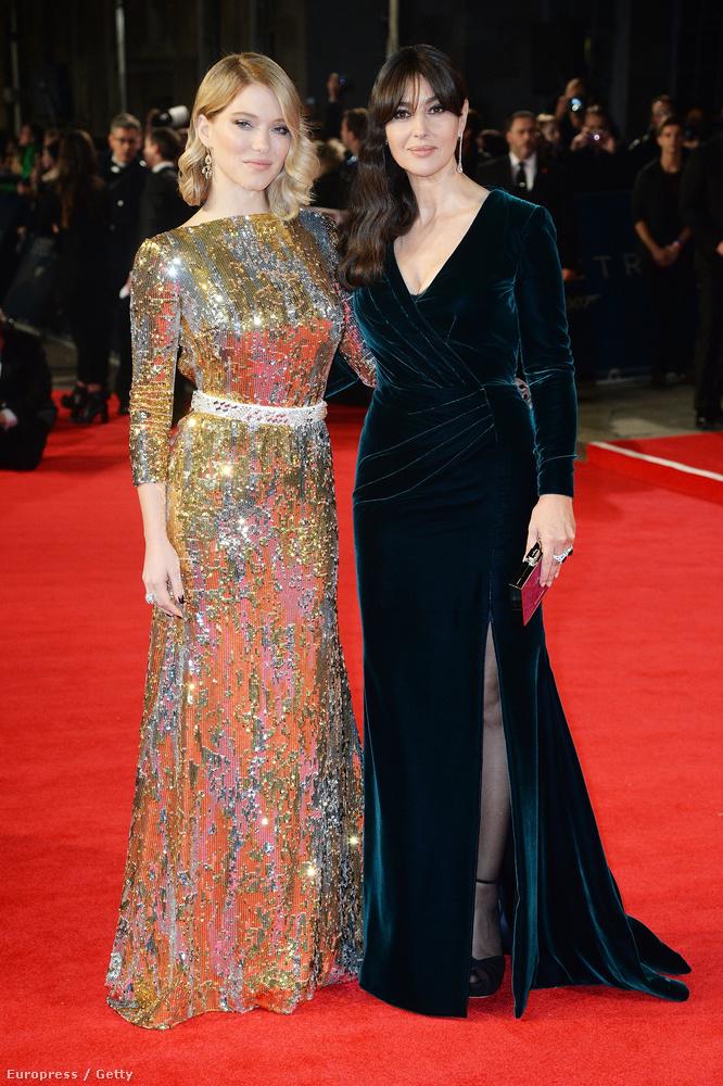 A Bond-lányok viszont nem is lehettek volna Bond-lányosabbak, főleg ebben az arany-fekete párosításban