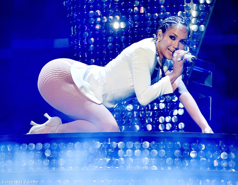 Szóval még mindig úgy gondolja, hogy Jennifer Lopeznek nagy segge van? ...igazából az van neki, mert ezen a képen is túloztunk egy kicsit...