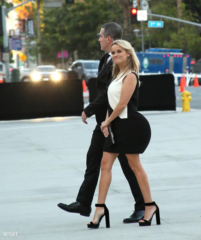 Most, hogy már túl van pár képen, észrevette, hogy igazán senki nem néz ki bénán nagy hátsóval? Még Reese Witherspoon is egész csinos
