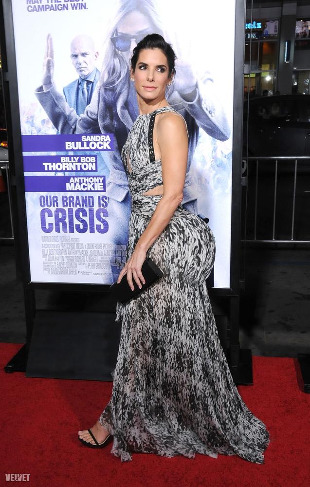 Sandra Bullock viszont talán túlságosan is asszonyos lenne egy nagyobb fenékkel