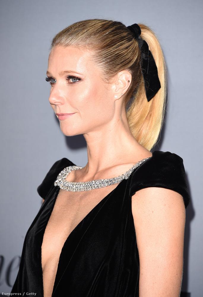 Gwyneth Paltrow önnön stílusosságát jócska dekoltázzsal ünnepelte.