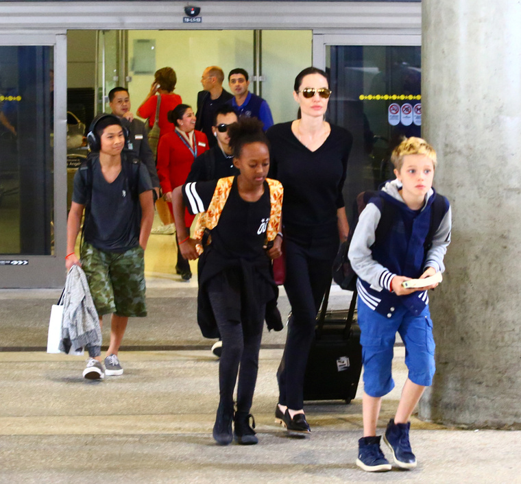 Jolie-Pittéket a Los Angeles-i reptéren fotózták le