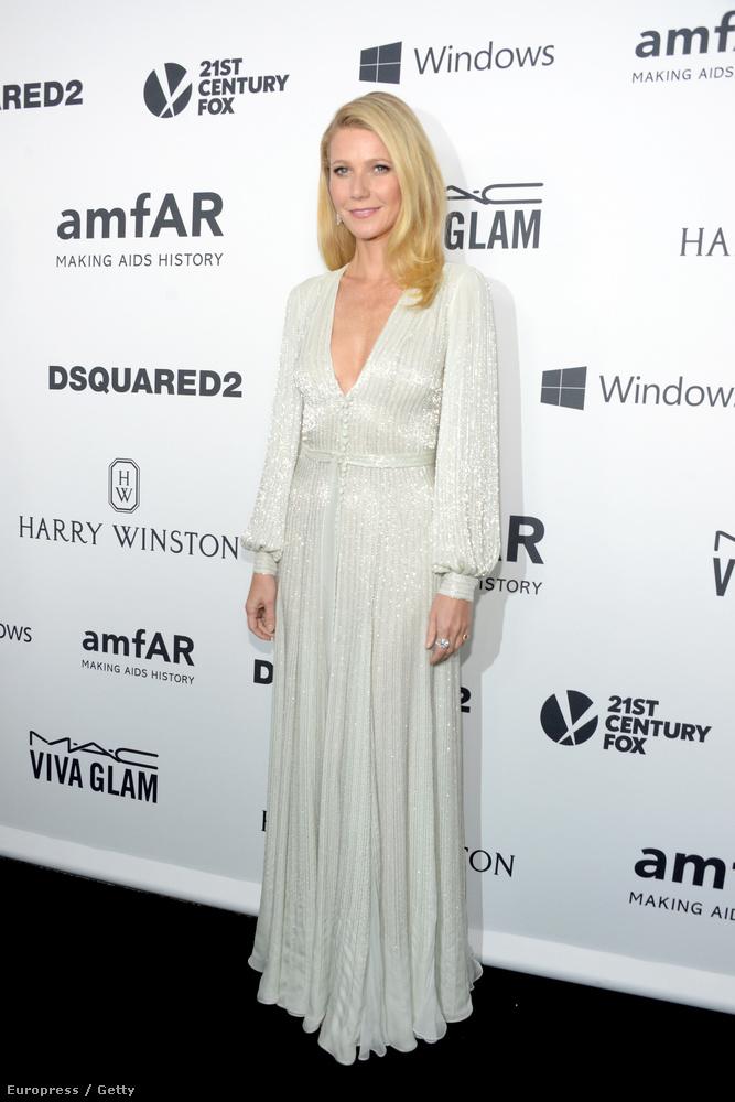 Az október 29-ei, Los Angeles-i amfAR-gálán ugyanis lélegzetelállítóan jól nézett ki a színésznő-életmódtanácsadó-chrismartin-exfeleség.