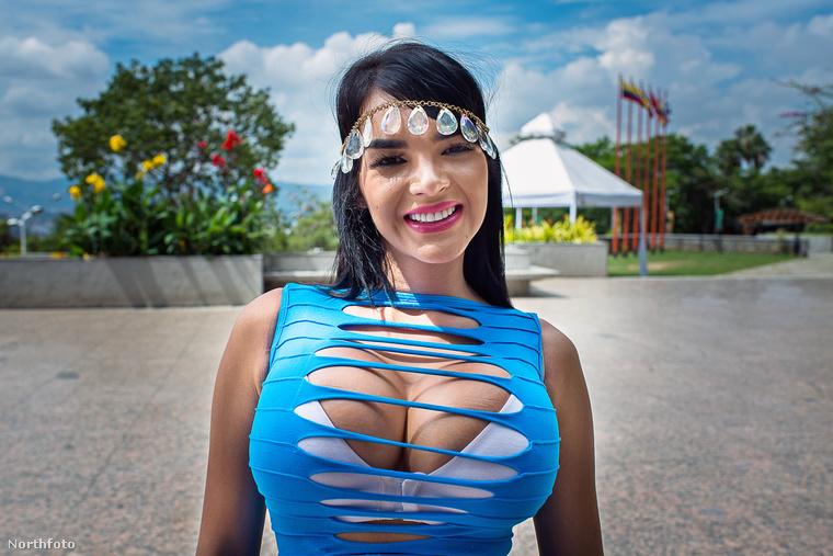 Egy boldog nő fűzőben