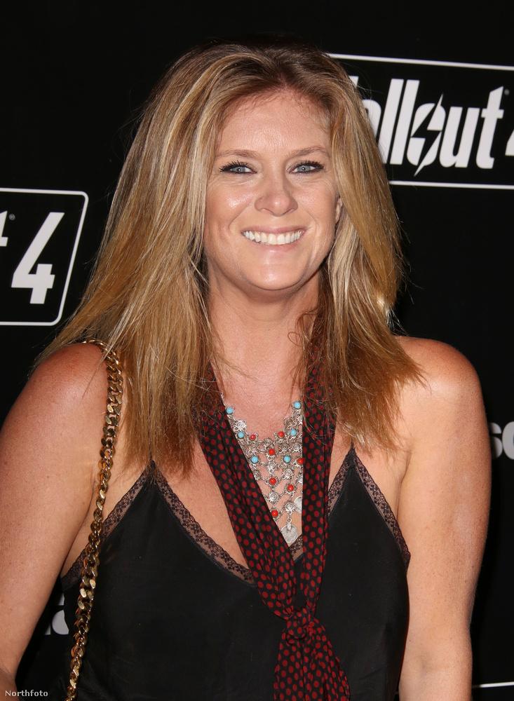 Ja, az eseményen az egykori topmodell,Rachel Hunter (aki így ismeri: Rod Stewart exneje) is jelen volt